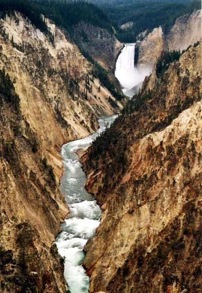 http://www.giorgiozanetti.ca/rockies_2006/yellowstone/yellowstone_canyon.jpg